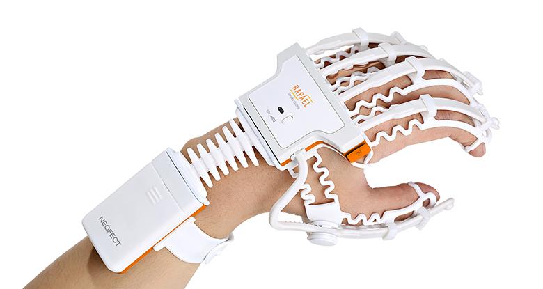 Objet connecté : un gant rééducateur pour victime d'AVC